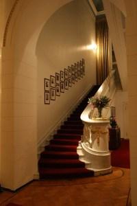 File:Spaso House Stairway.JPG