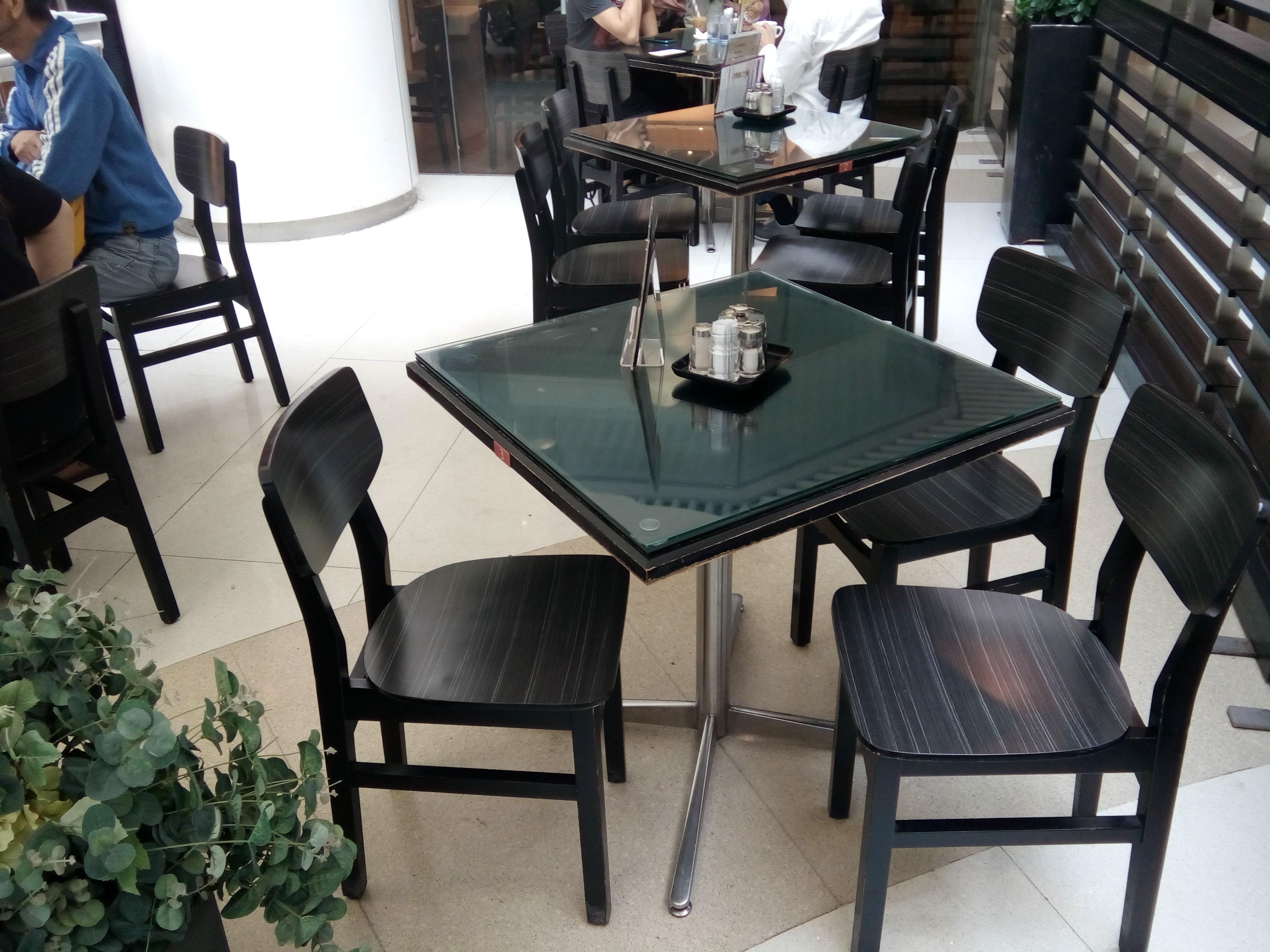 dining table and chairs hong kong grey rocking chair file hk tsw 天水圍 tin shui wai 天恩路 yan road 嘉湖銀座 kingswood ginza mall restaurant 美心香港地 maxim s day furniture n dec