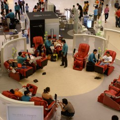 Massage Chair Store Dining Room Arm File Chairs In Vivocity Jpg Wikimedia Commons