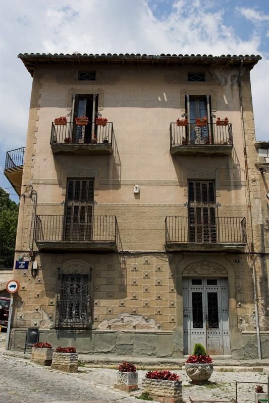 Casa GaudSafores  Viquipdia lenciclopdia lliure