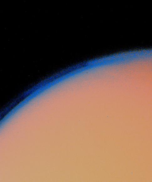 शनि के चन्द्रमा टाइटन पर छाया कुहरा