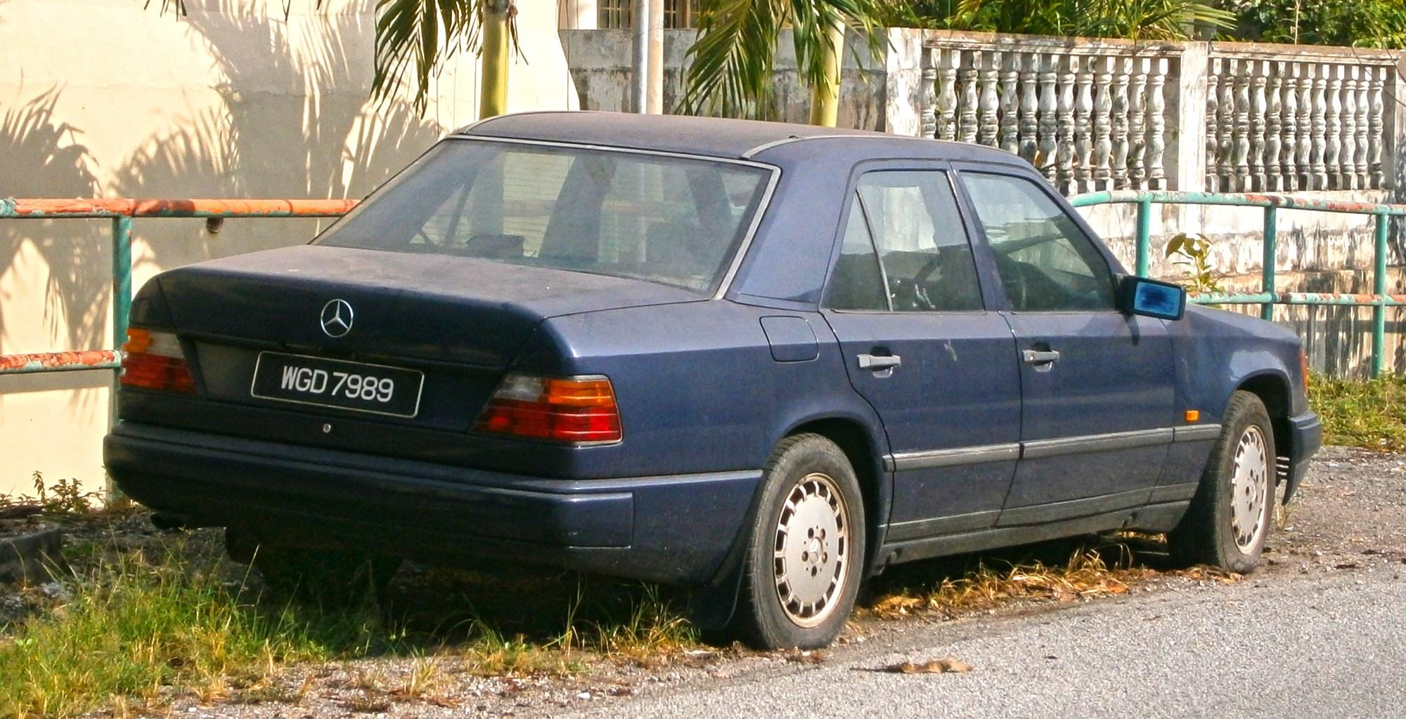 hight resolution of file 1997 mercedes benz e class w124 4 door sedan
