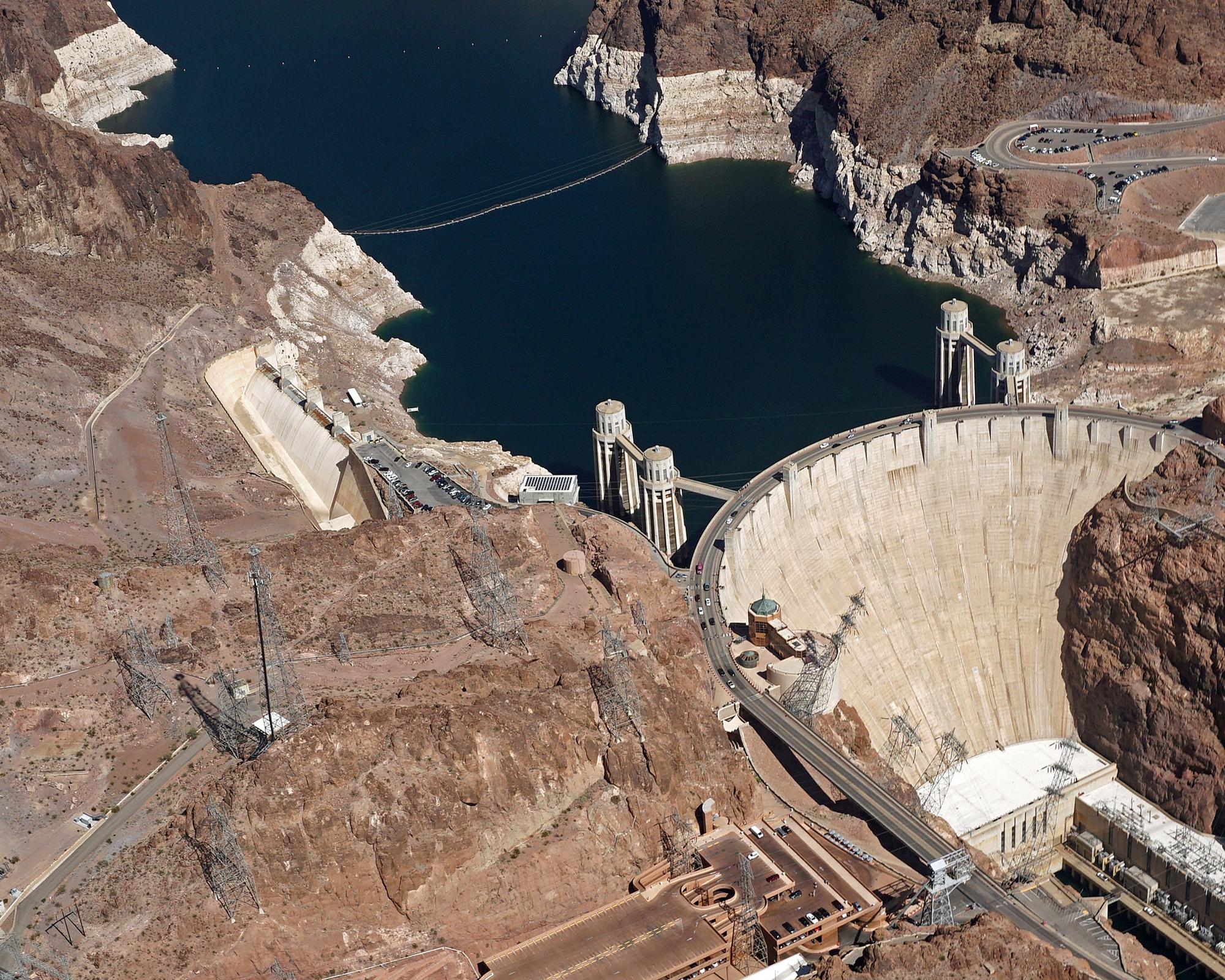 hight resolution of hoover dam