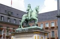 File:Jan Wellem Reiterstandbild in Dsseldorf.jpg ...