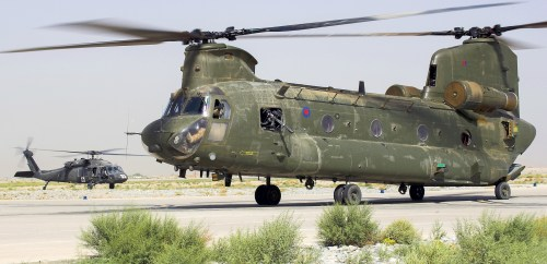 small resolution of hc2 zh775 with hh 60m medevac in background at kandahar 2010 chinook helicopters
