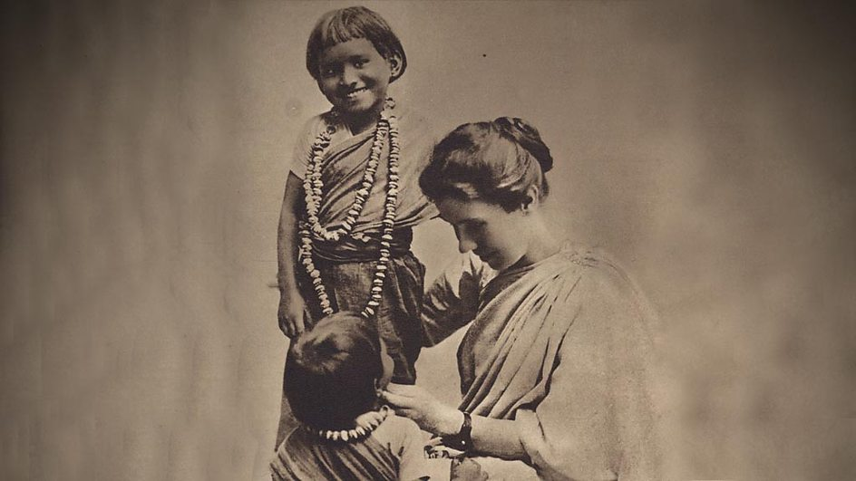 Amy Carmichael with children