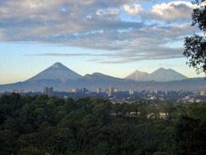 upload.wikimedia.org_wikipedia_commons_c_cb_guatemalacityvolcanoes.jpg
