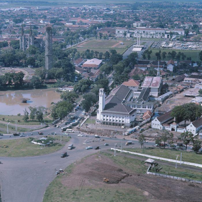 Lapangan Banteng dari Puncak Monas 19611978  Indonesia