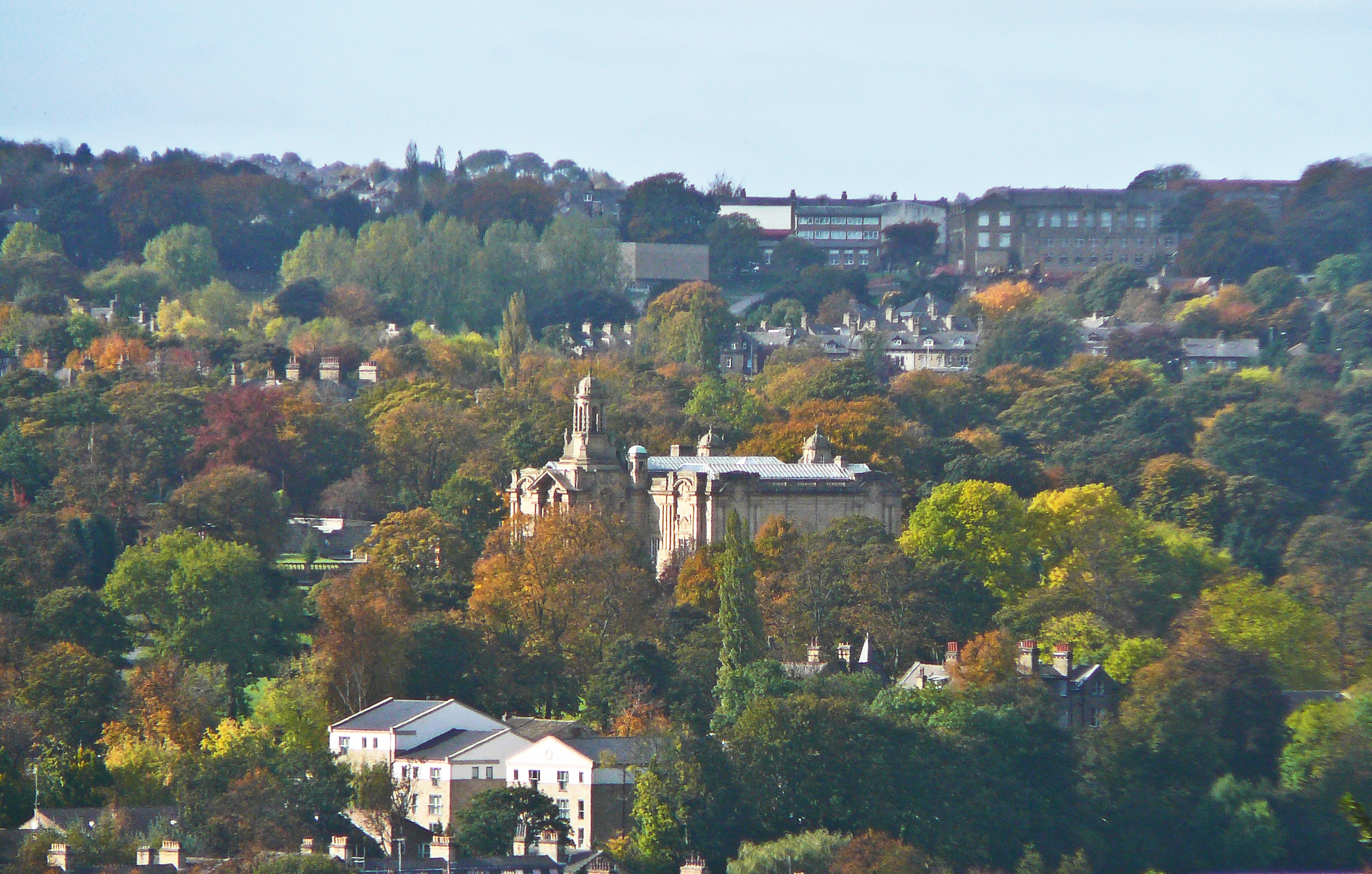 English: Cartwright Hall and parts of Bradford...