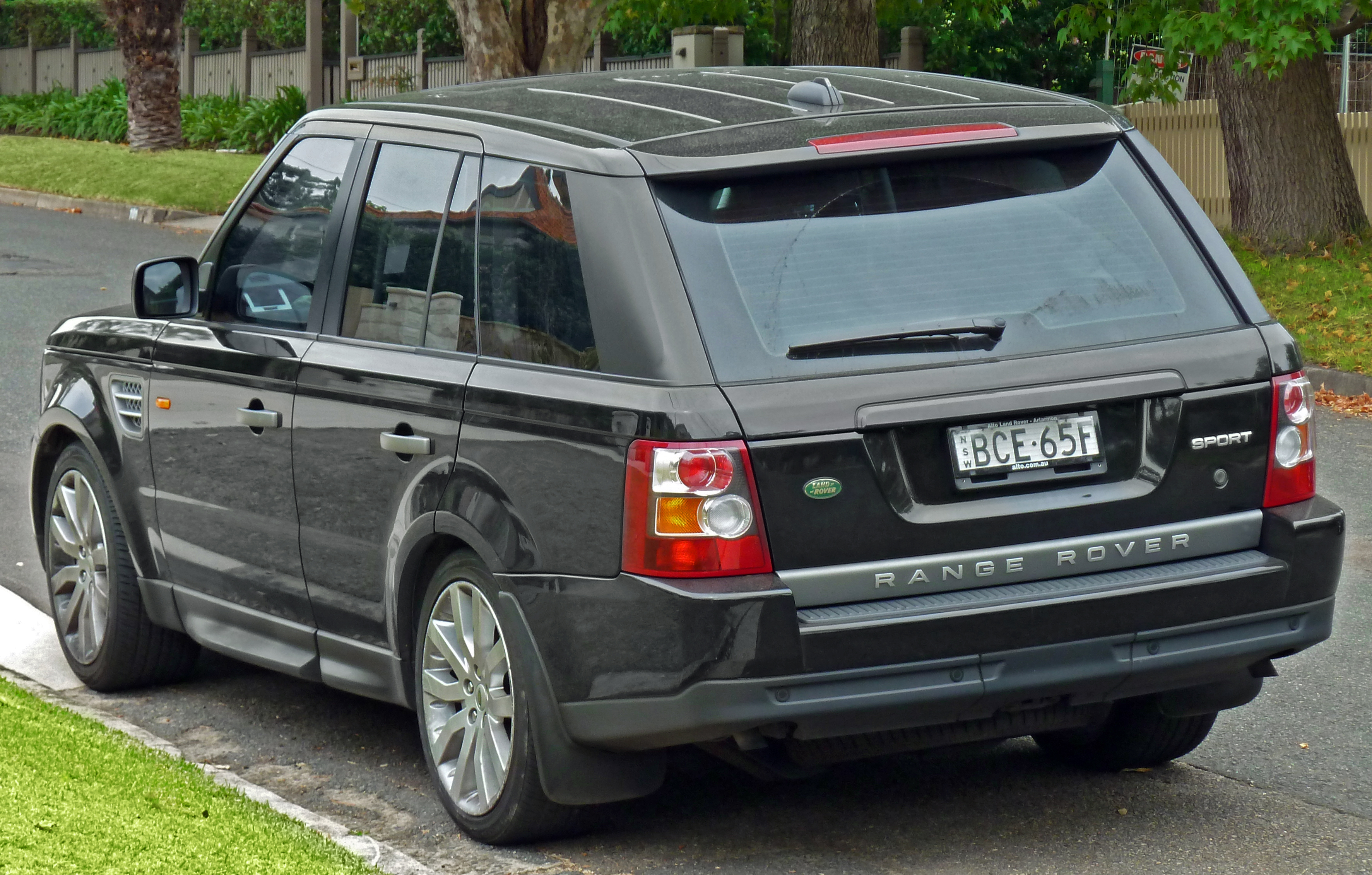 File 2005 2008 Land Rover Range Rover Sport wagon 2011 03 10