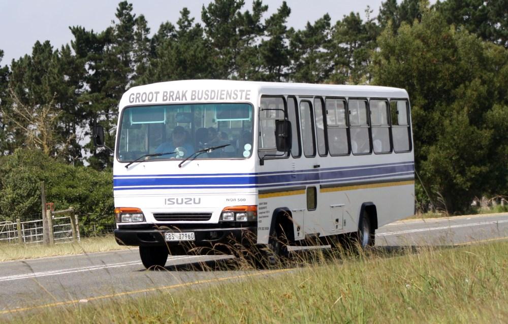 medium resolution of file groot brak busdienste isuzu nqr 500 bus 24357180393 jpg