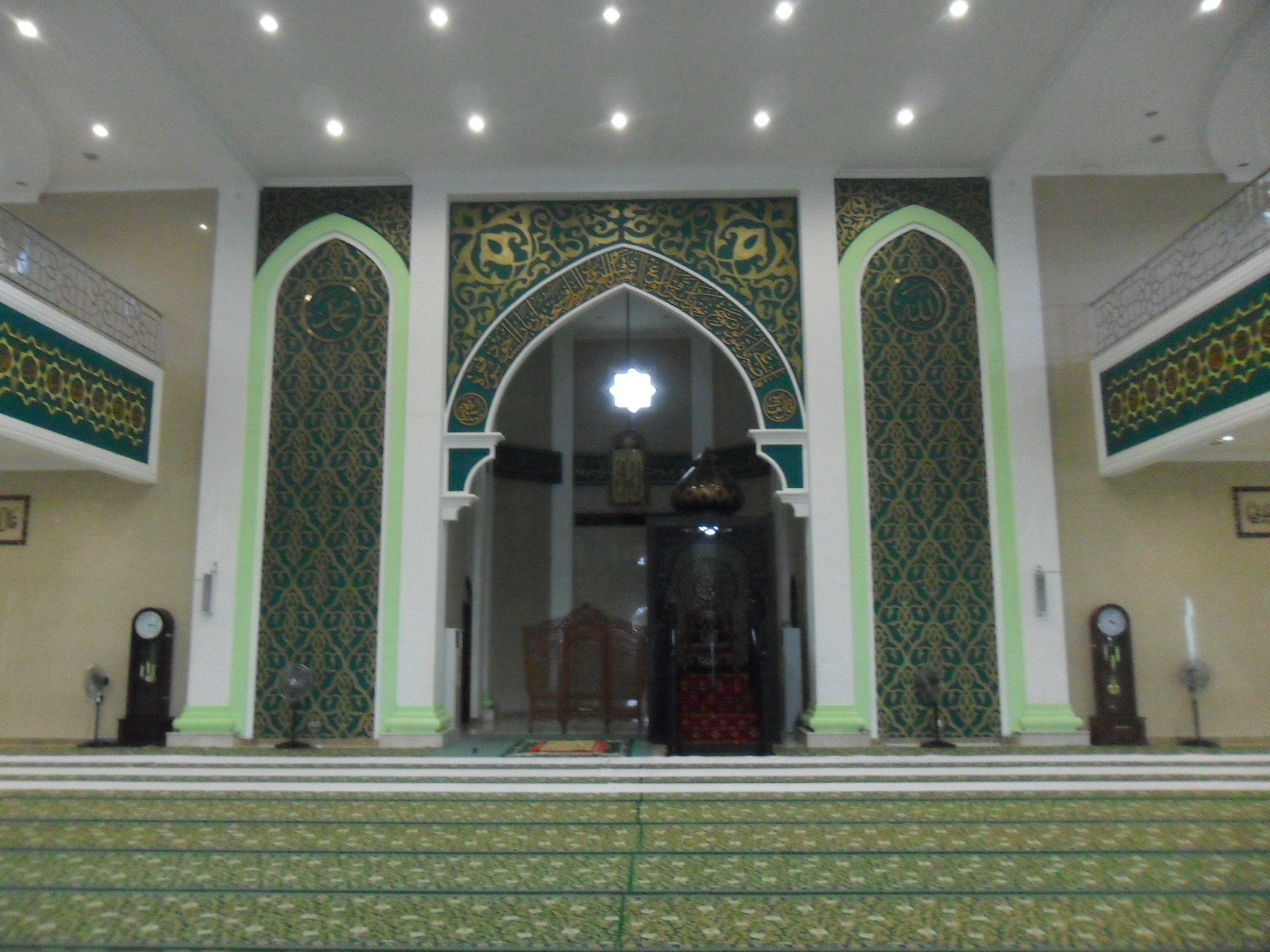 FileInterior of Nurul Falah Great Mosque Paserjpg