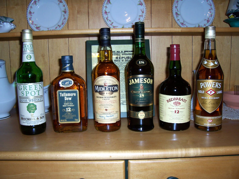 https://i0.wp.com/upload.wikimedia.org/wikipedia/commons/c/ce/IrishWhiskey.jpg