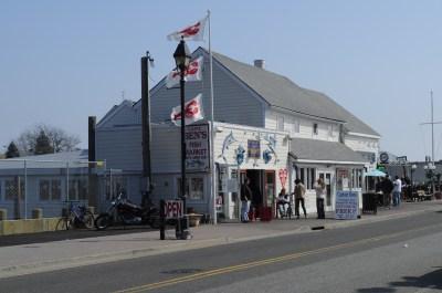 File:Freeport, NY Nautical Mile 068.jpg