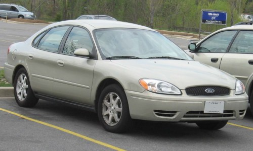 small resolution of file 2004 2006 ford taurus sedan jpg