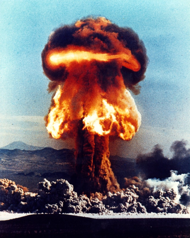 Qui A La Bombe Atomique : bombe, atomique, Retombée, Radioactive, Wikipédia