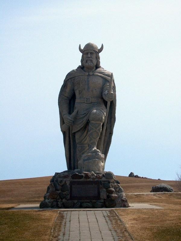 Gimli Manitoba Viking Statue