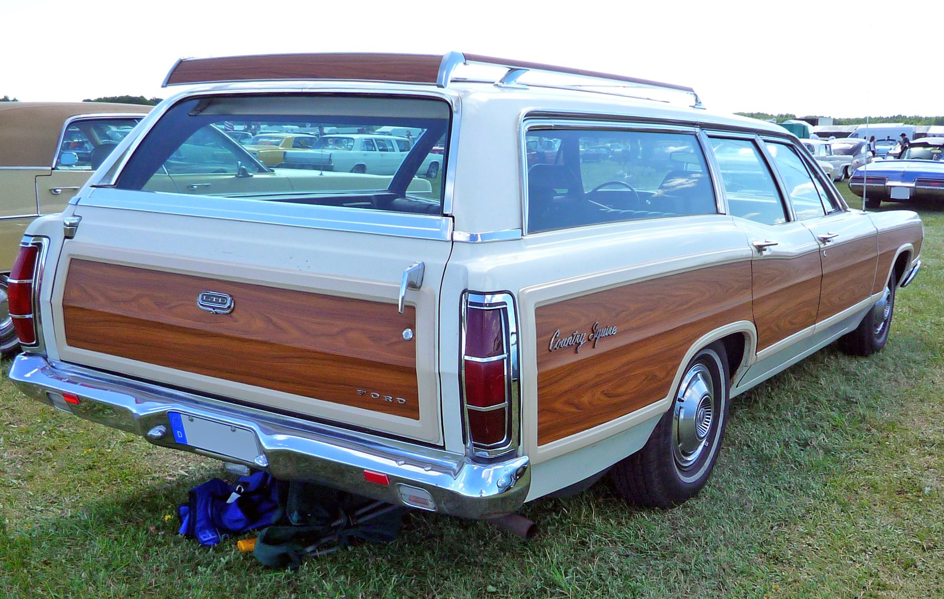 hight resolution of file 1969 ford ltd country squire jpg