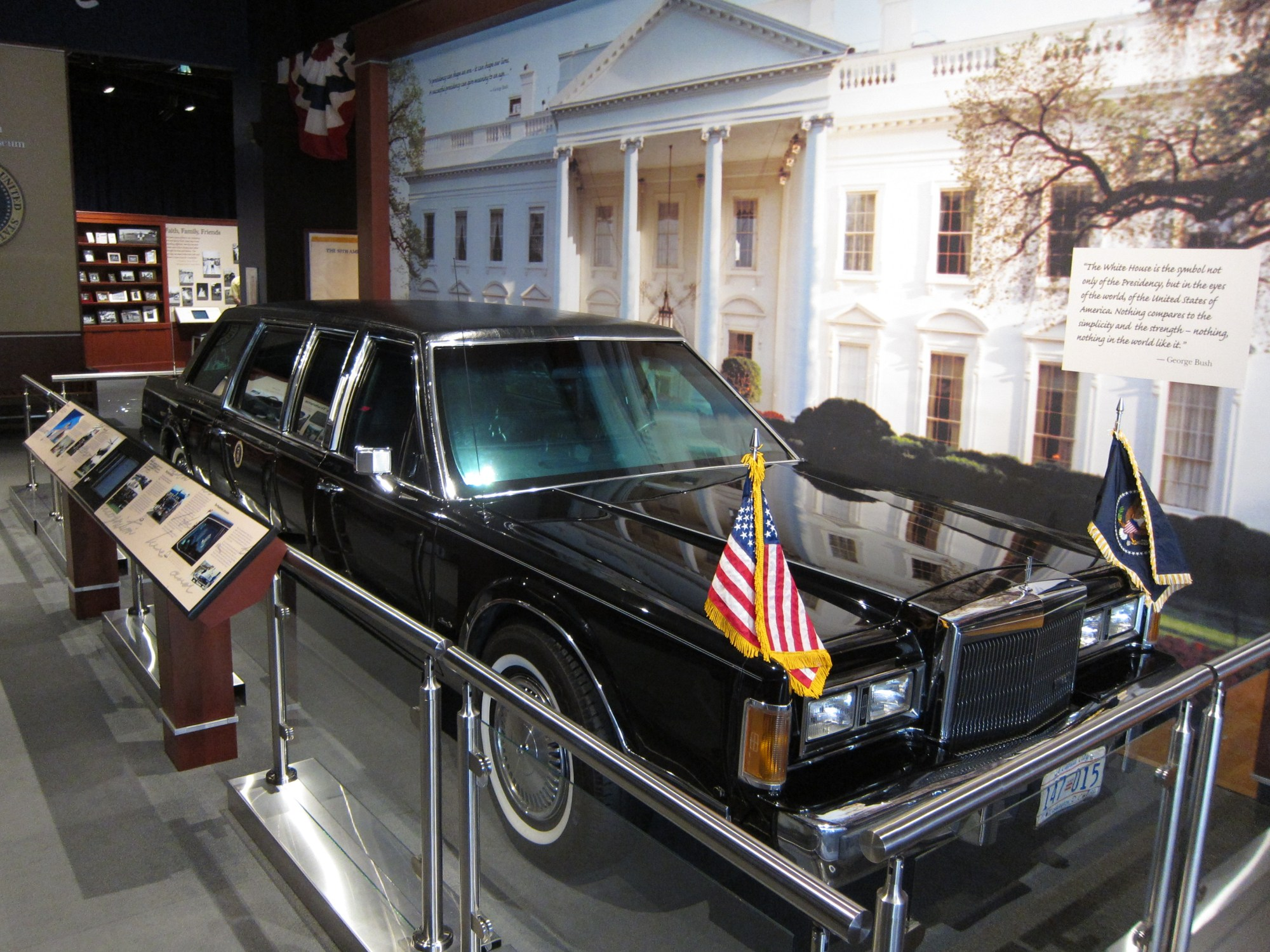 hight resolution of file 1989 lincoln town car george bush library jpg