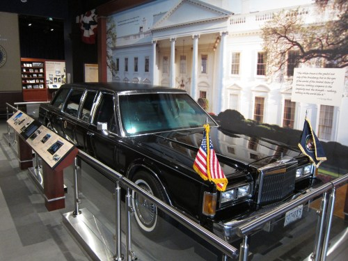 small resolution of file 1989 lincoln town car george bush library jpg