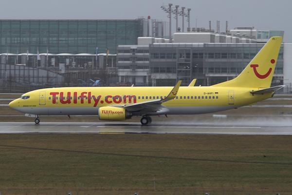 File:TUIfly B738 D-AHFI.jpg