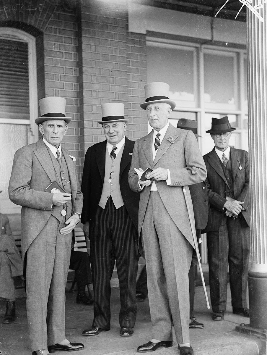 Men%27s and women%27s fashion%2C Sydney Cup%2C Randwick%2C 1937%2C March 1937 Sam Hood 1930s Mens Fashion