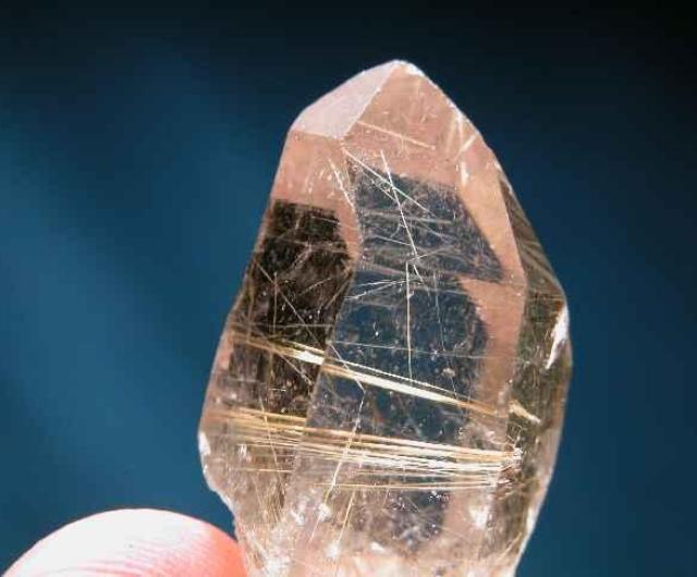 quartzo rutilem