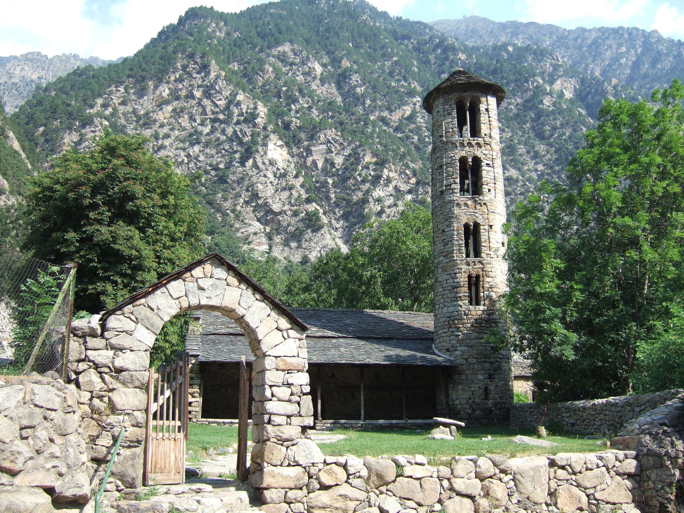 File Vista Del Conjunt De L Esglesia De Santa Coloma