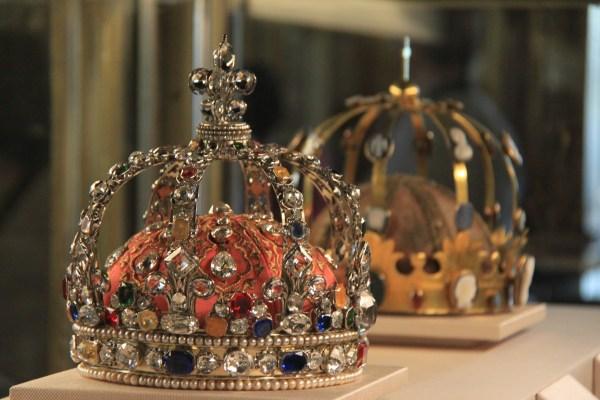File Crowns Mus Du Louvre April - Wikimedia Commons