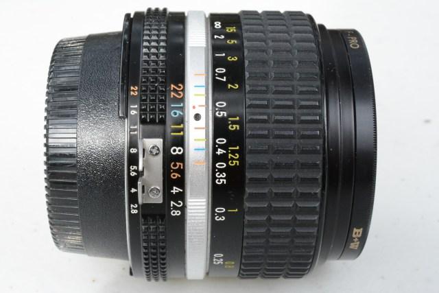 Nikon 28 2.8 AI con filtro B+W
