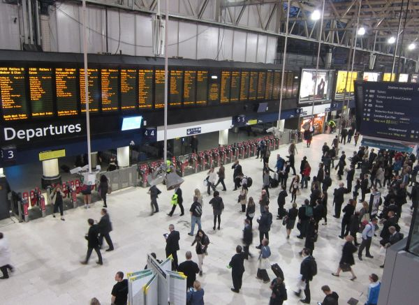 File London Waterloo - Wikimedia Commons