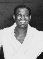 version of American boxer Sugar Ray Robinson (...
