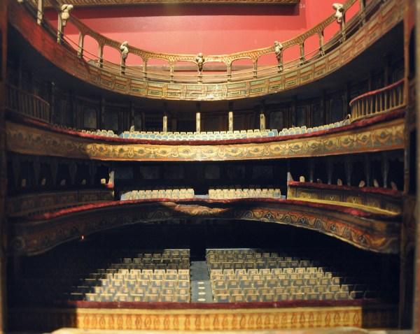 File Model Empire Theatre Leicester Square C1915 - Wikimedia Commons
