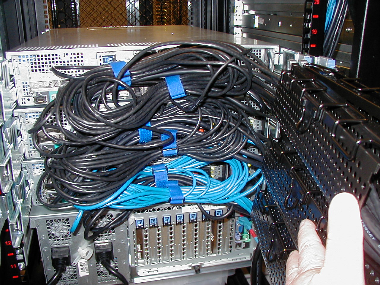 hight resolution of file dell server poor wiring jpg