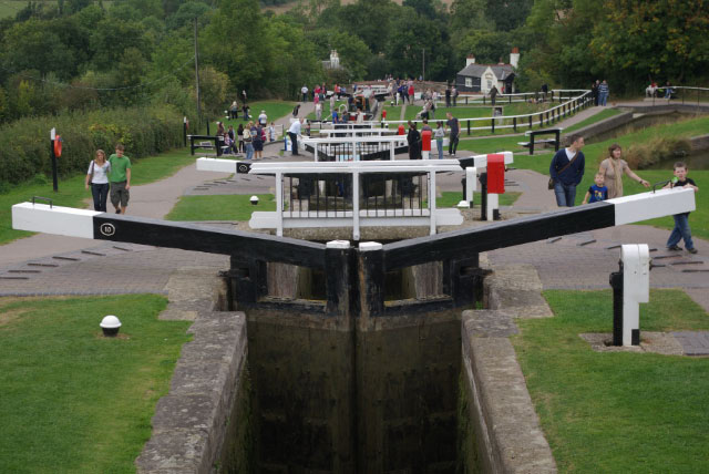 File:Foxton Locks - geograph.org.uk - 1514227.jpg