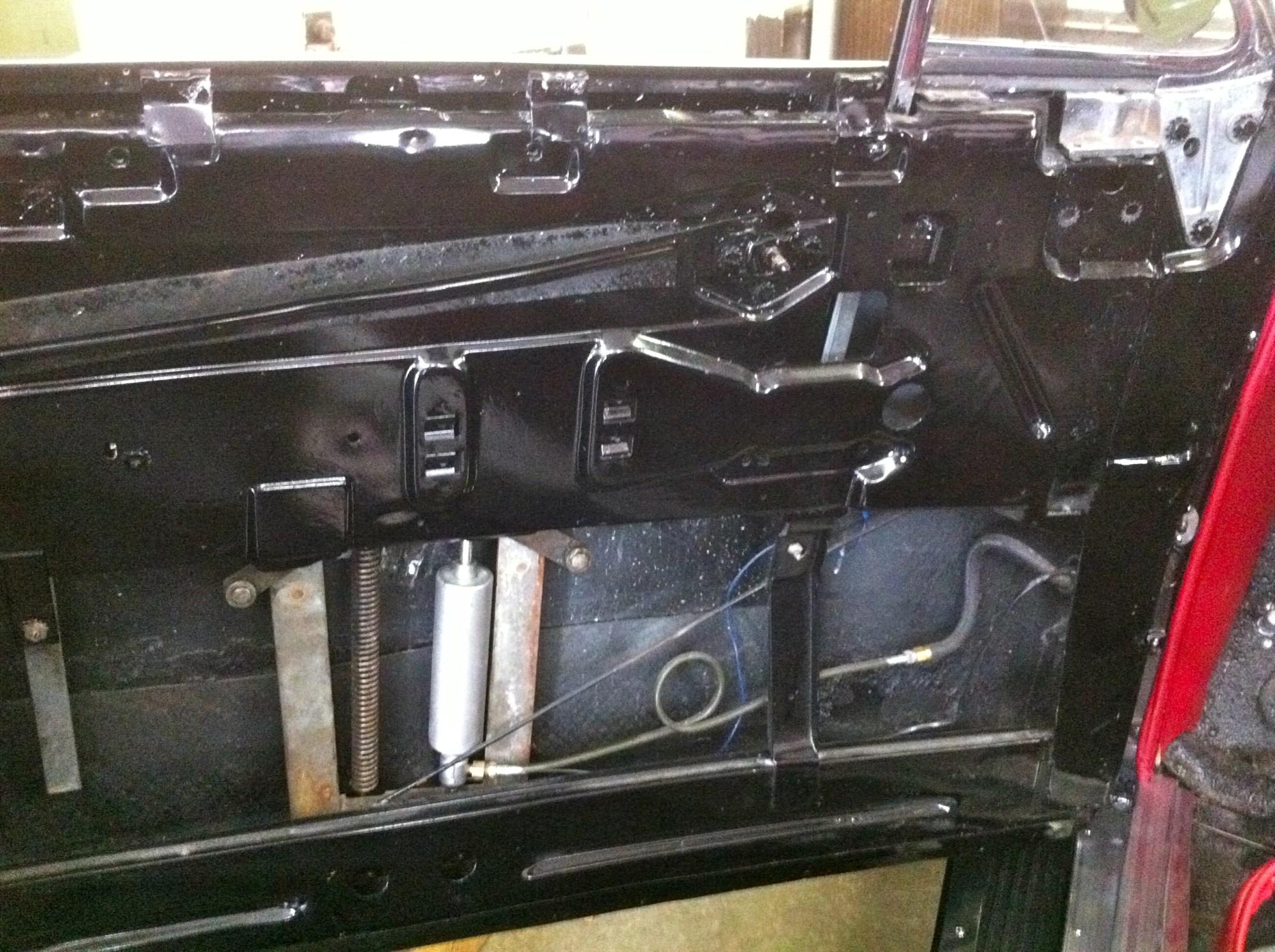 hight resolution of file inside buick drivers door showing hydraulic power window lift jpg