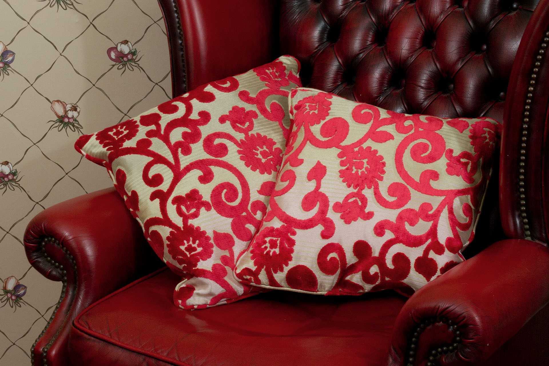 throw pillows for living room couch unique rooms designs pillow wikipedia