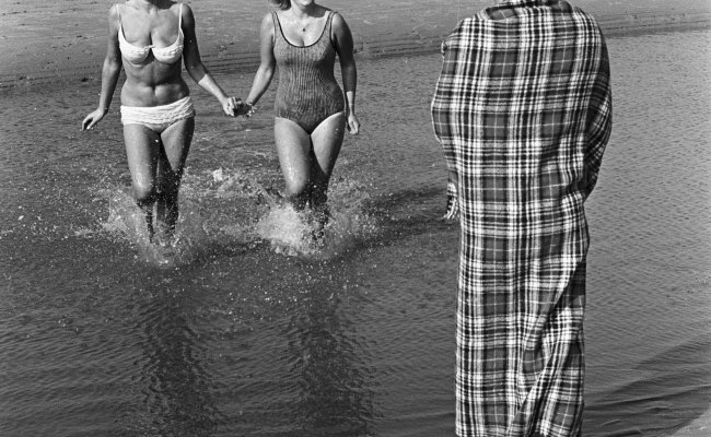 File 4 Oktober 1964 Stranddag Drukte Op Het Strandterras