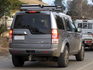 File:Land Rover Discovery 4 SDV6 SE 2013 (19582973595)jpg