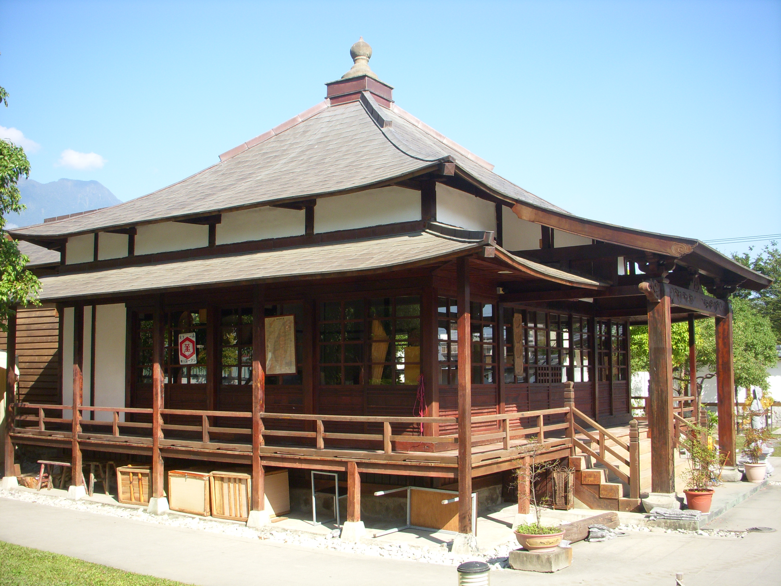 File:吉安慶修院 花蓮縣 縣(市)定古蹟寺廟 Venation 1.JPG
