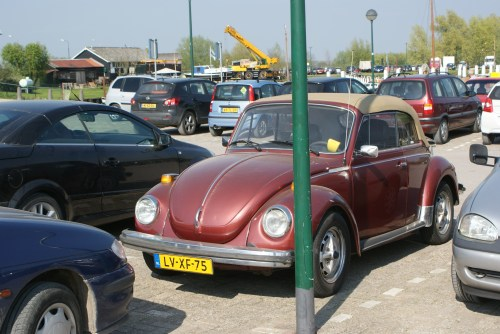 small resolution of file 1978 volkswagen beetle convertible 8961697379 jpg