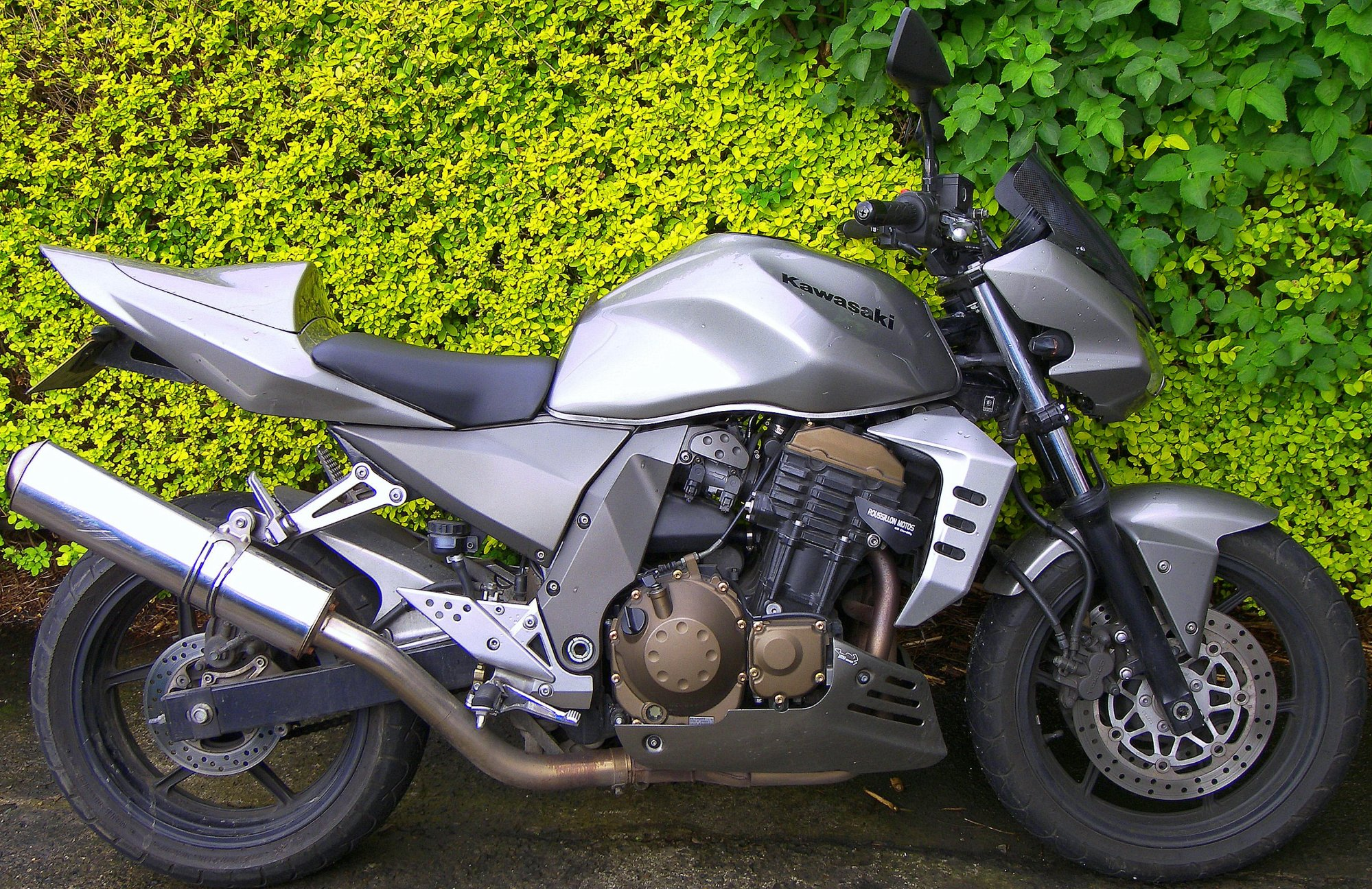 hight resolution of 2005 z750
