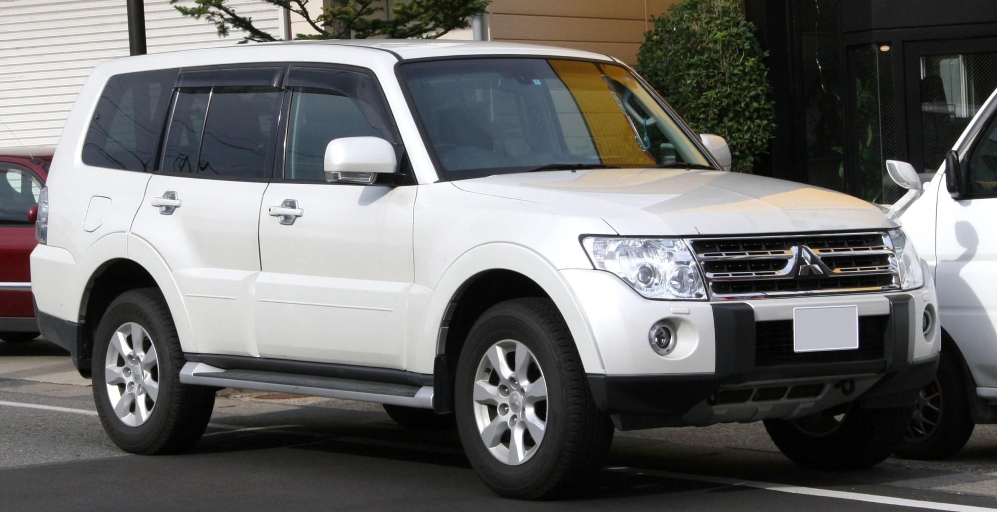 hight resolution of diesel mitsubishi pajero 2008