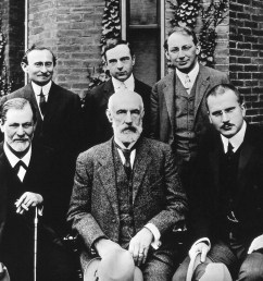 located at http upload wikimedia org wikipedia commons e e1 hall freud jung in front of clark 1909 jpg  [ 2868 x 2288 Pixel ]