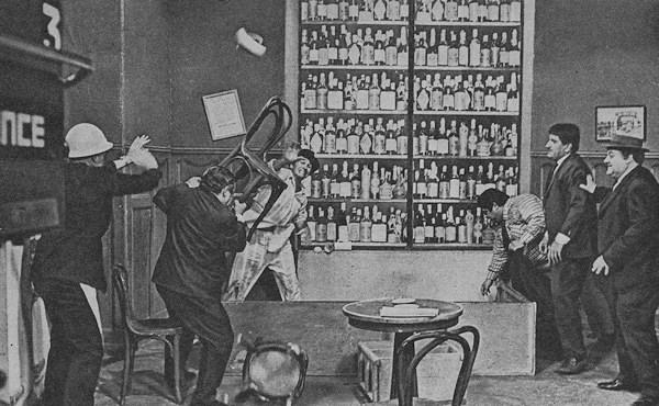 Polmica en el bar  Wikipedia la enciclopedia libre