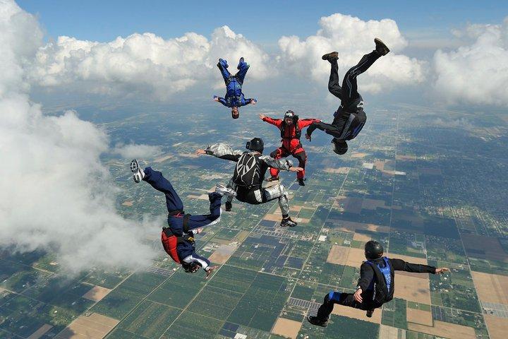 English: Freeflying at Skydive Miami
