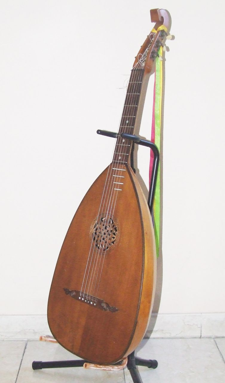 Lute guitar  Wikipedia