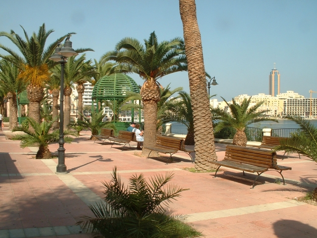 sliema promenade beach malta
