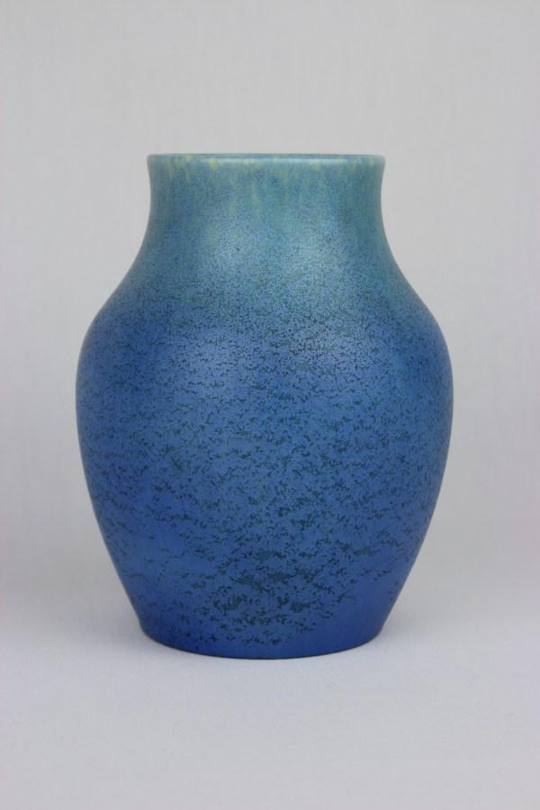 File Thrown Vase Royal Lancastrian Pilkington' Tile