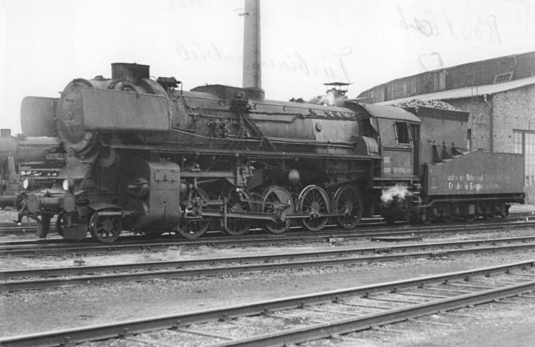 DateiBundesarchiv Bild 183157650003 Dampflok 52 1952